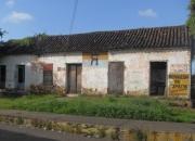 Vendo terreno centrico con casa antigua