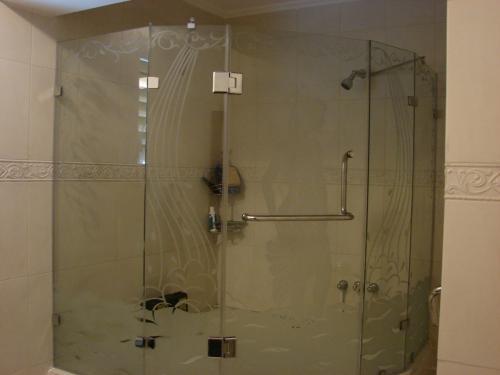 Puertas De Baño Templadas:Puertas de baño templada en aragua en Aragua, Venezuela – Decoración