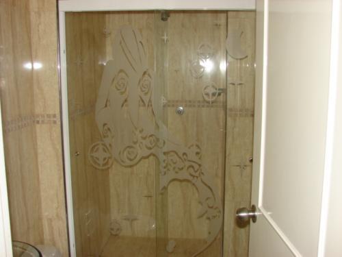 Puertas De Baño Templadas:Fotos de Puertas de baño templada en Aragua – Aragua – Casa / Jardin