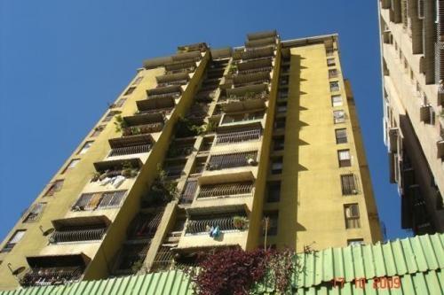 Venta de apartamento en caño amarillo av. sucre catia caracas 09-7583