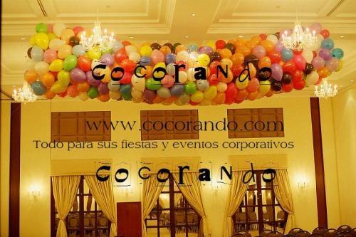 Fotos de Decoraciones con globos, mallas de globos, helio, esculturas con globos 2