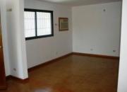 Cod. 09-8594 Comoda y espaciosa casa en Venta
