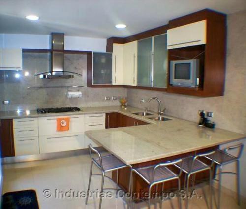 Modelos de cocina empotrada de cemento imagui for Cocinas en concreto