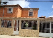 VENDO BELLO TOWN HOUSE EN LLANO ALTO CARRIZAL.