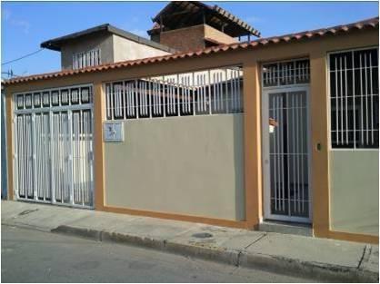 Casa en venta en urb villas de aragua