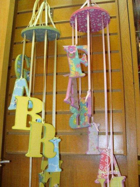 Letras de bebe imagui for Como decorar el cuarto de mi bebe