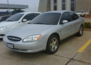 SE VENDE FORD TAURUS 2001 - COLOR PLATA