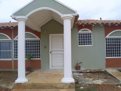 Fotos de Se vende casa en urb. jardines de san jaime - maturin-monagas 1