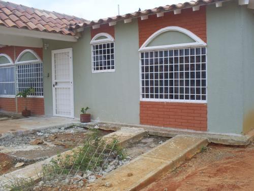 Fotos de Se vende casa en urb. jardines de san jaime - maturin-monagas 2