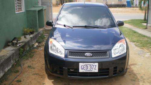 Vendo fiesta power 2009 negociable impecable 125.000bsf