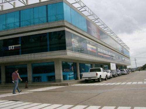 Alquiler oficina aerocentro av luis branger valencia #11-3299