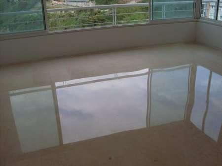 Fotos de emplomado y cristalizado de pisos de granito y for Limpieza de marmol y granito