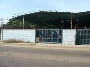 13-4183 se vende amplio galpon en zona industrial maracaibo