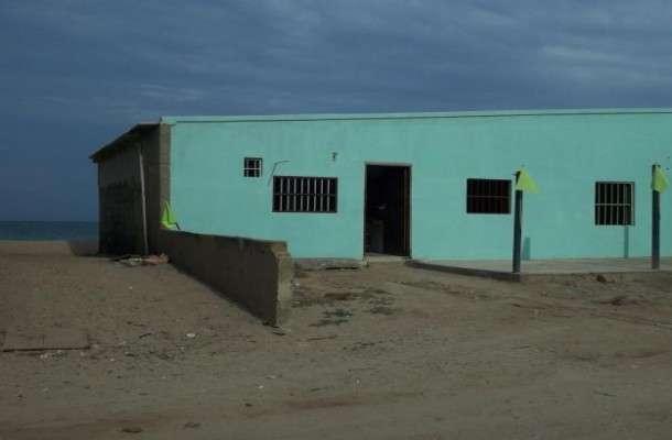 Alquilo casa a orilla de playa tiraya falcon paraguana