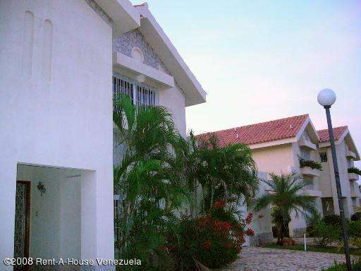 Townhouse en venta en fuerzas armadas en maracaibo rah:14-202