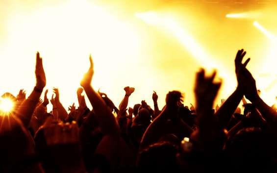 Baterista estrella ofrece sus servicios a agrupaciones musicales y eventos