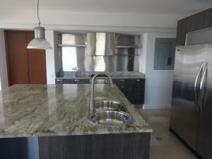 Apartamento en alquiler en la lago maracaibo