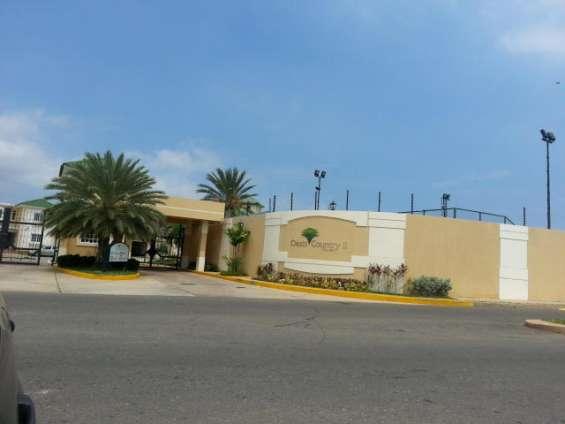 Villa cerrada en venta en zona norte maracaibo