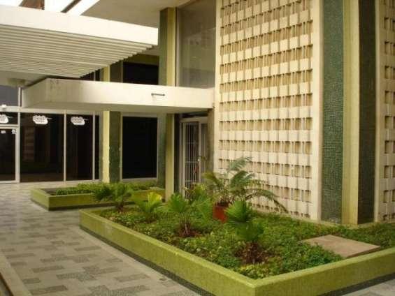 Oficina en alquiler en av. bella vista maracaibo