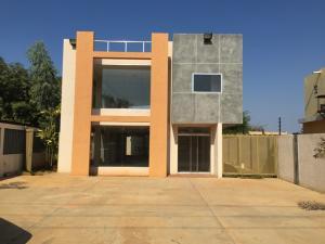 Edificio en alquiler en av milagro norte maracaibo