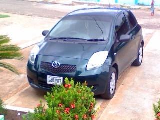 Toyota yaris 2007. automatico.