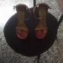 se vende sandalias para damas usada una sola vez talla 36