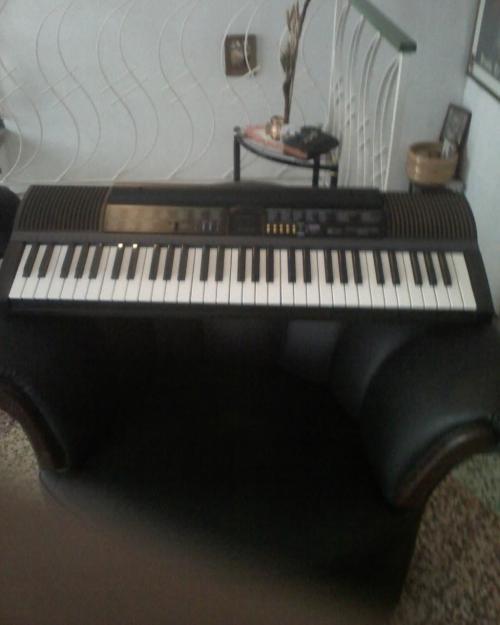 Se vende teclado marca concertmate 970 casi nuevo