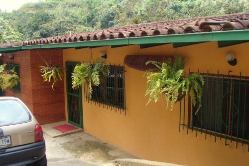 Casa en venta en colinas de san antonio