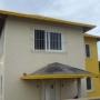 VENDO A ESTRENAR TOWN HOUSE