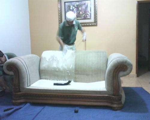 Limpieza profesional de muebles y alfombras