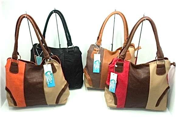 67eae22d4 Carteras y accesorios mayor y detal gsc moda en Caracas - Ropa y calzado