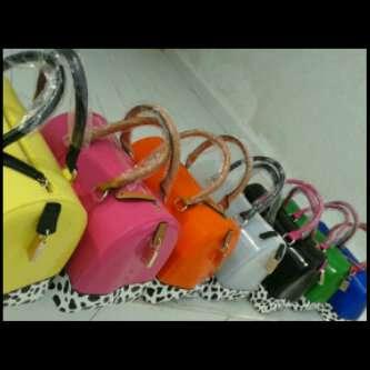 Furla candy bag de silicon. variedad en colores