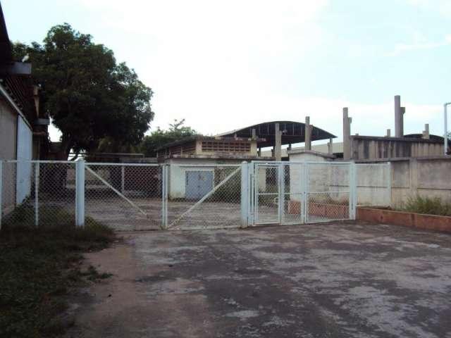 13-3232 se vende inmensa empresa en zulia el bajo