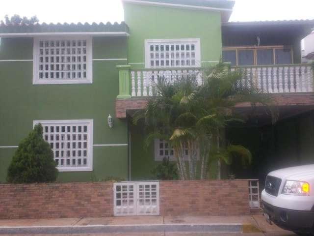Townhouse en venta en agua salada en ciudad bolivar rah:13-8642