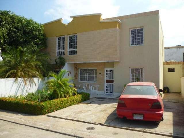 Townhouse en venta en amparo en maracaibo rah:14-180
