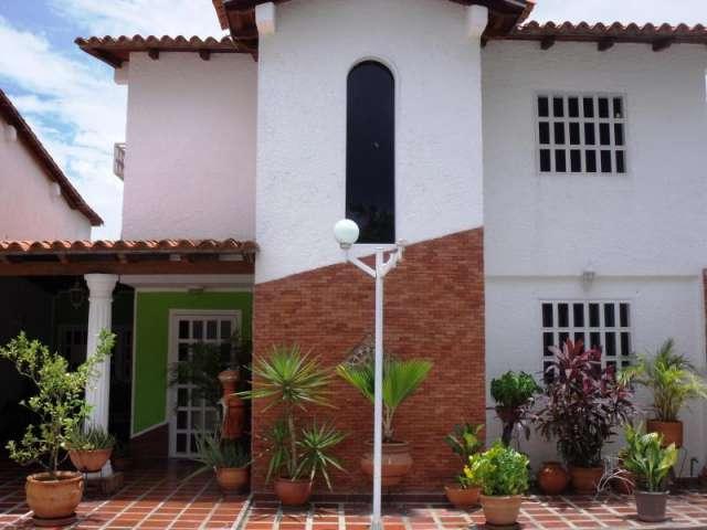 Townhouse en venta en mercado periférico en ciudad bolivar rah:13-6827