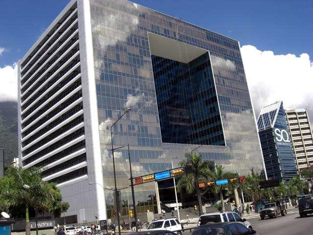 Alquilo oficina amoblada en los palos grandes, parque cristal 166 m2 aprox.