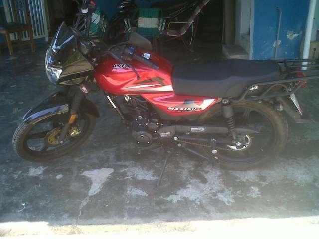 A la venta moto um max 150