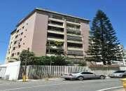 Apartamento en venta en Los Chaguaramos 2 hab 1 baño 1 puesto 66 mts