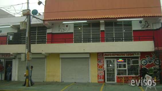 Edificio de 2 pisos frente urbanizacion la trinidad