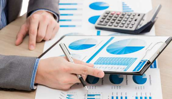 Se ofrece contador para dar clases de contabilidad