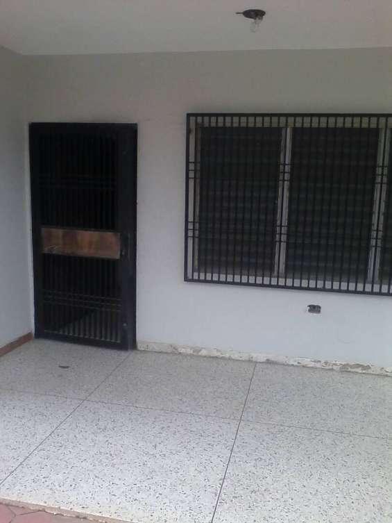 Inviroca vende bella y segura casa en cabimas. ciudadela faria