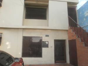 Amplia casa en venta en pomona maracaibo