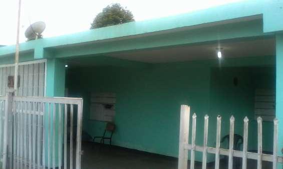 Vendo casa de 200 mts2 de construcción con título de propiedad
