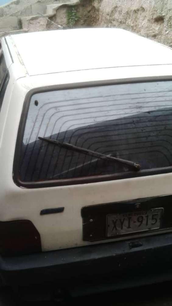 Fiat uno selecta 4 puertas motor recien reparado solo falta los anillos y empacadura de multiple y armar y montar, de resto todo bien seriales en muy buenas condiciones