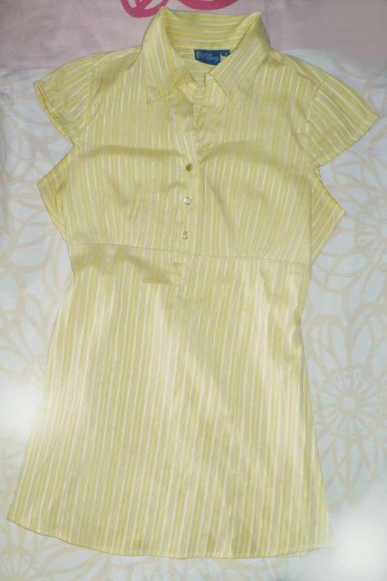 Se vende camisa materna para damas usada perfecto estado