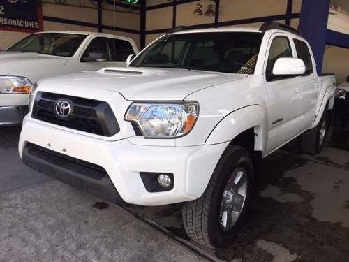 Toyota tacoma 4x4 año 2015