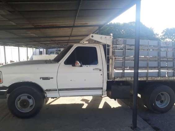 Camion ojo gato año 97 pa puro travajar