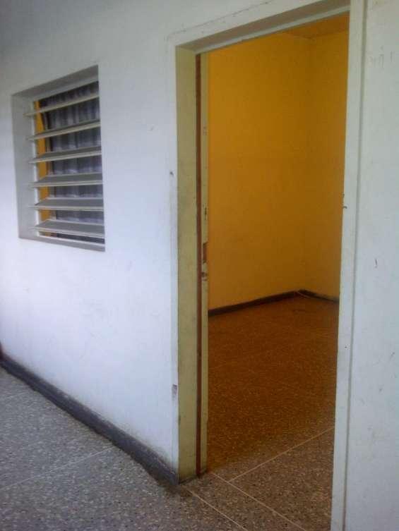 Se alquilan habitaciones al oeste de la ciudad de barqto exelente ubicacion