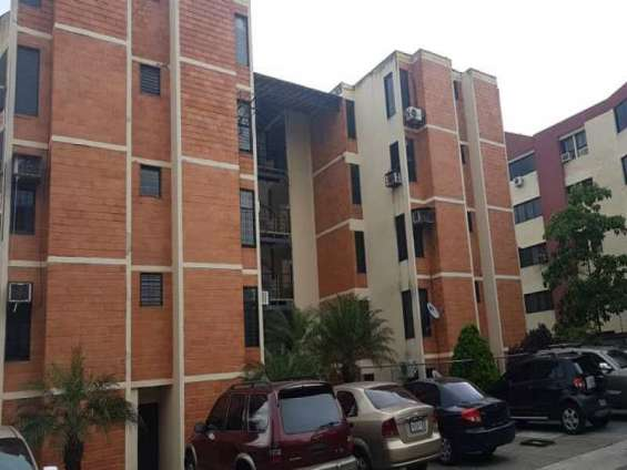 Sky group vende apartamento en la campiña conj. res. maporal